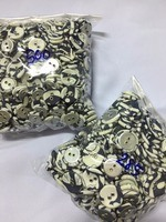 mixed sizes eyelet fabric-covered buttons (2 holes)